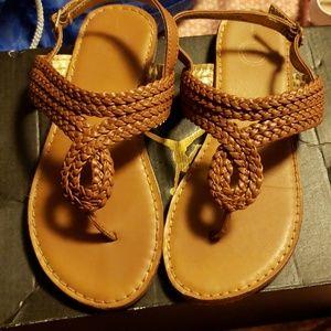 Girls wheat sandals